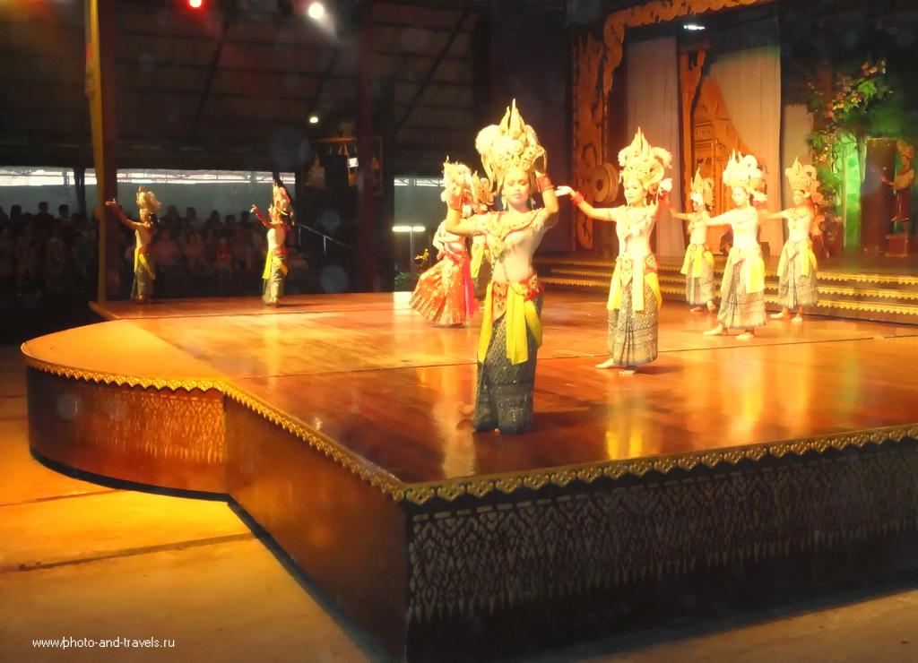 6. Имейте ввиду, если вы приехали на экскурсию в парк Нонг Нуч, что несколько раз в день здесь проходит концерт народного фольклора и шоу слонов.