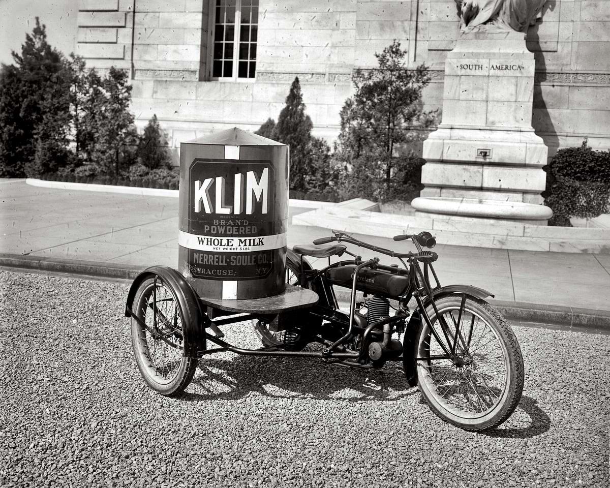 Трехколесный мотоцикл с контейнером для перевозки порошкового молока (Вашингтон, 1921 год)