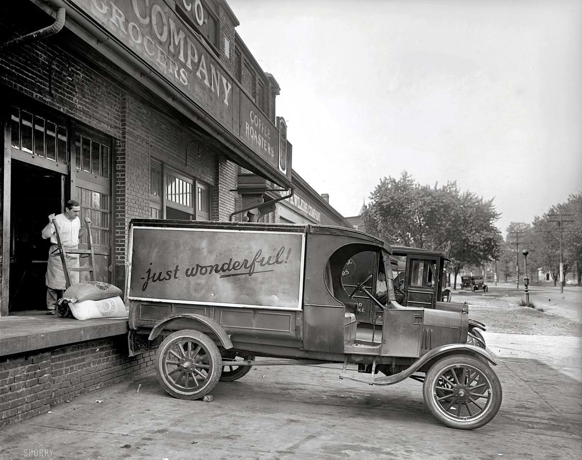 Грузовые автомобили начала 20-го века на снимках американских фотографов (21)