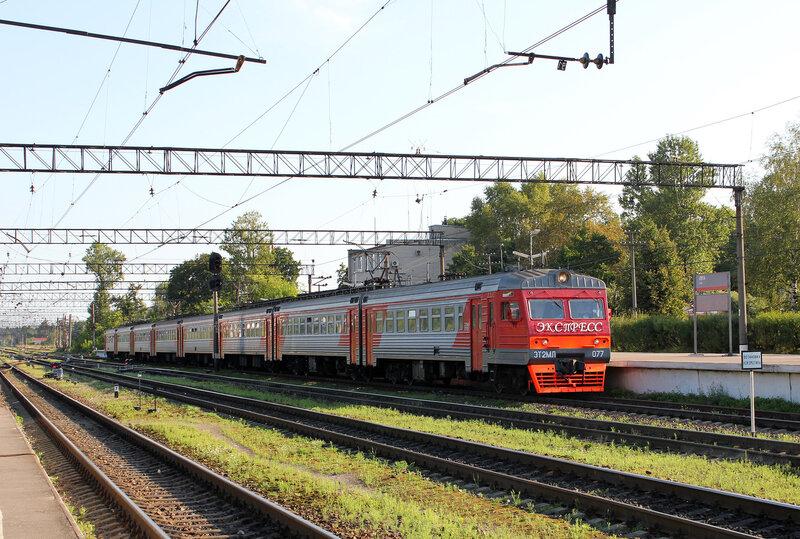 ЭТ2МЛ-077 на станции Луга-1