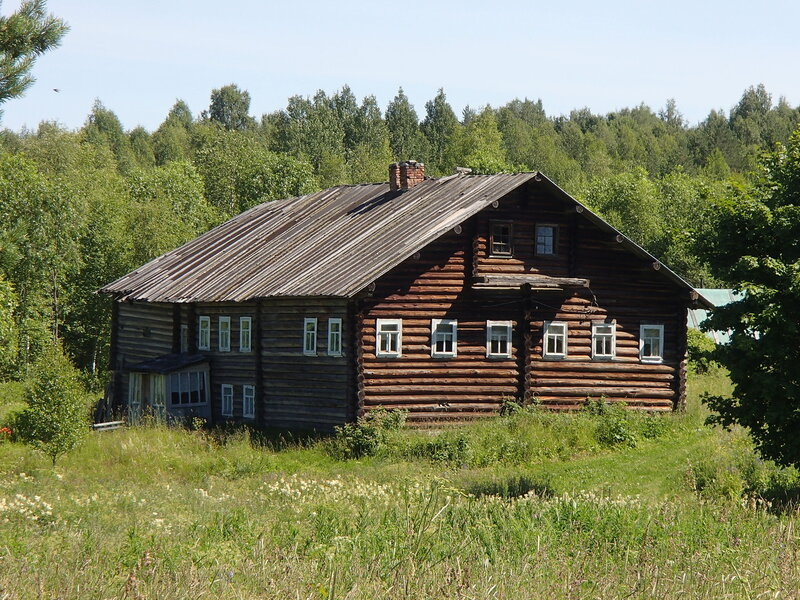 старый дом в деревне Ригосельга