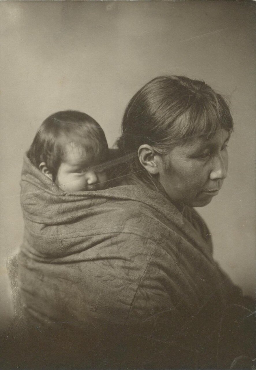 Индианка с ребенком