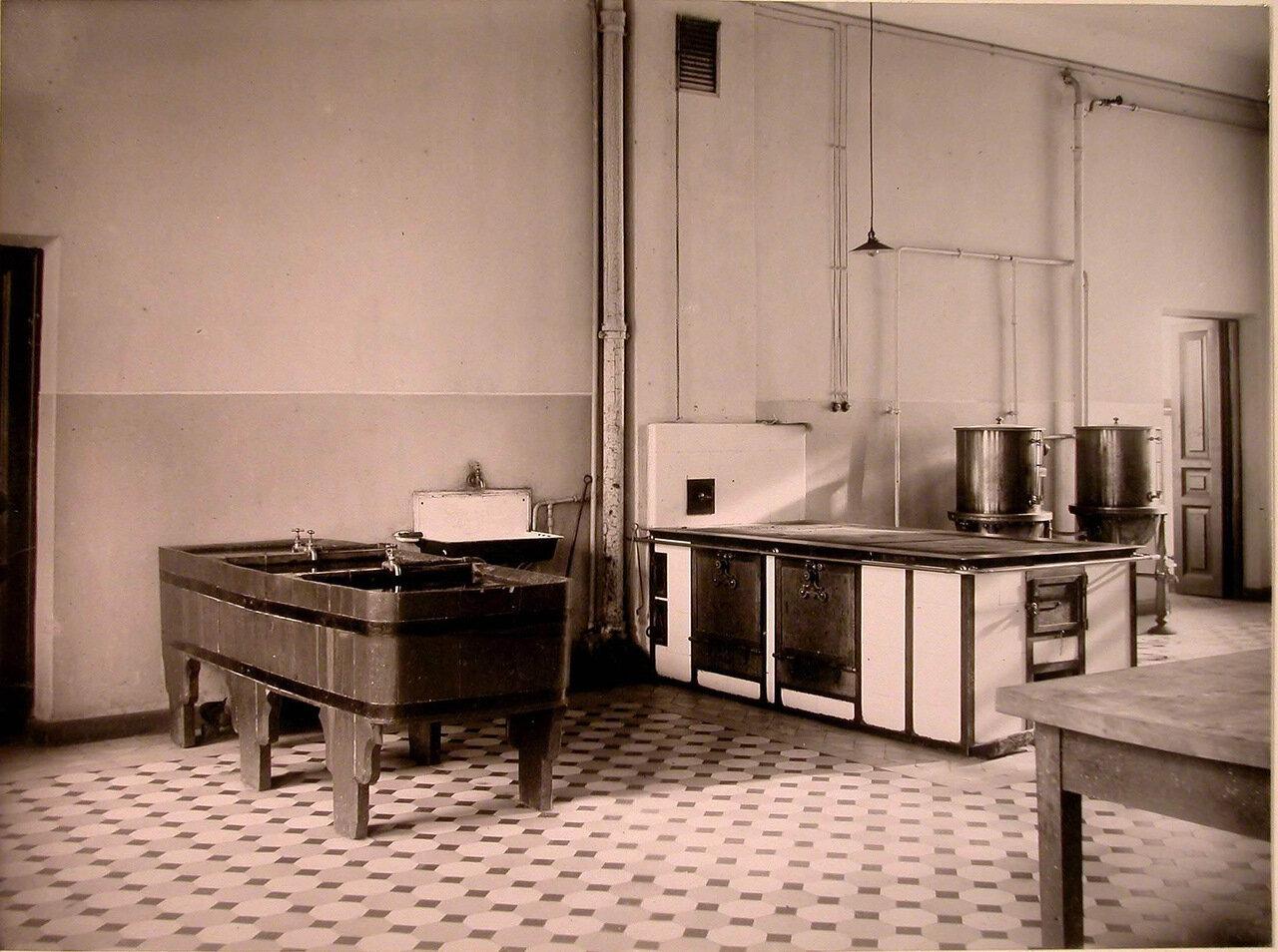 19. Вид части помещения кухни дома призрения для увечных воинов