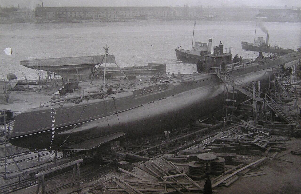 14. Подводная лодка Орлан на Мортоновом эллинге, 1917