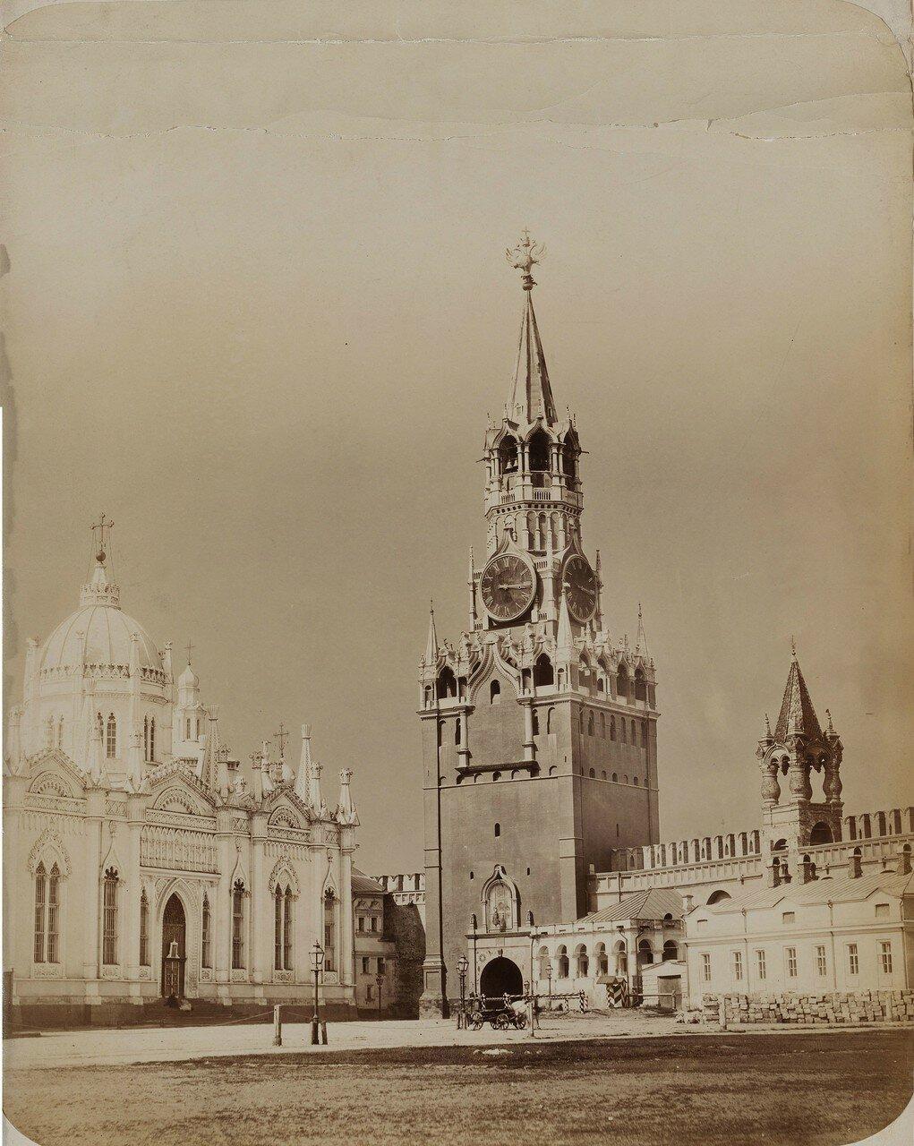 628. Вид на Церковь Екатерины и Спасскую башню