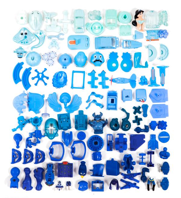 Kinder Surprise collection sorted, Aline Houdé-Diebolt1280.jpg