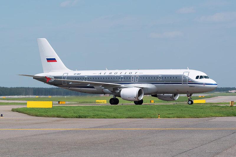 Airbus A320-214 (VP-BNT) Аэрофлот D805915a