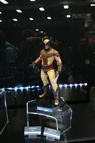 SDCC-2014-Sideshow-Marvel-Sixth-Scale-Figures-006.jpg