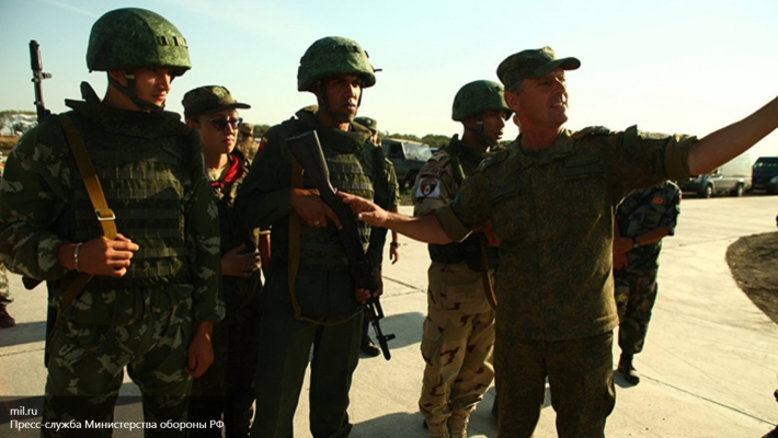 Богданов российские военспецы находятся в Сирии для обучения