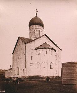 Вид юго - восточного фасада церкви Феодора Стратилата на Ручью (на Торговой стороне;построена в 1360-1361 гг.). Новгород г.