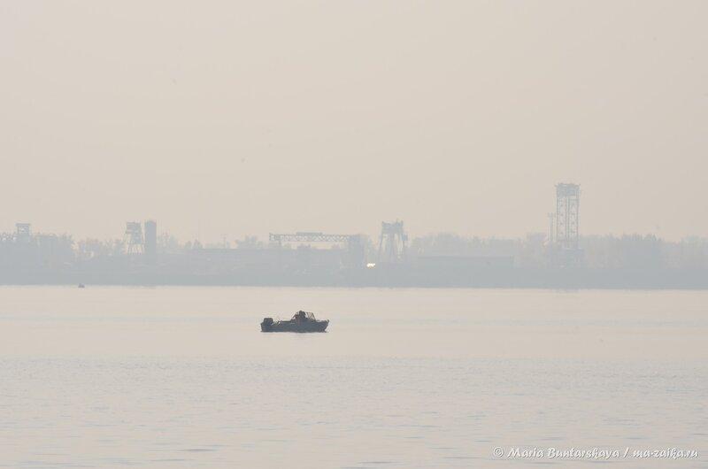 Туман над Волгой, Саратов, Набережная Косомнавтов, 15 октября 2014 года