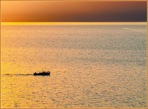 По золотому морю