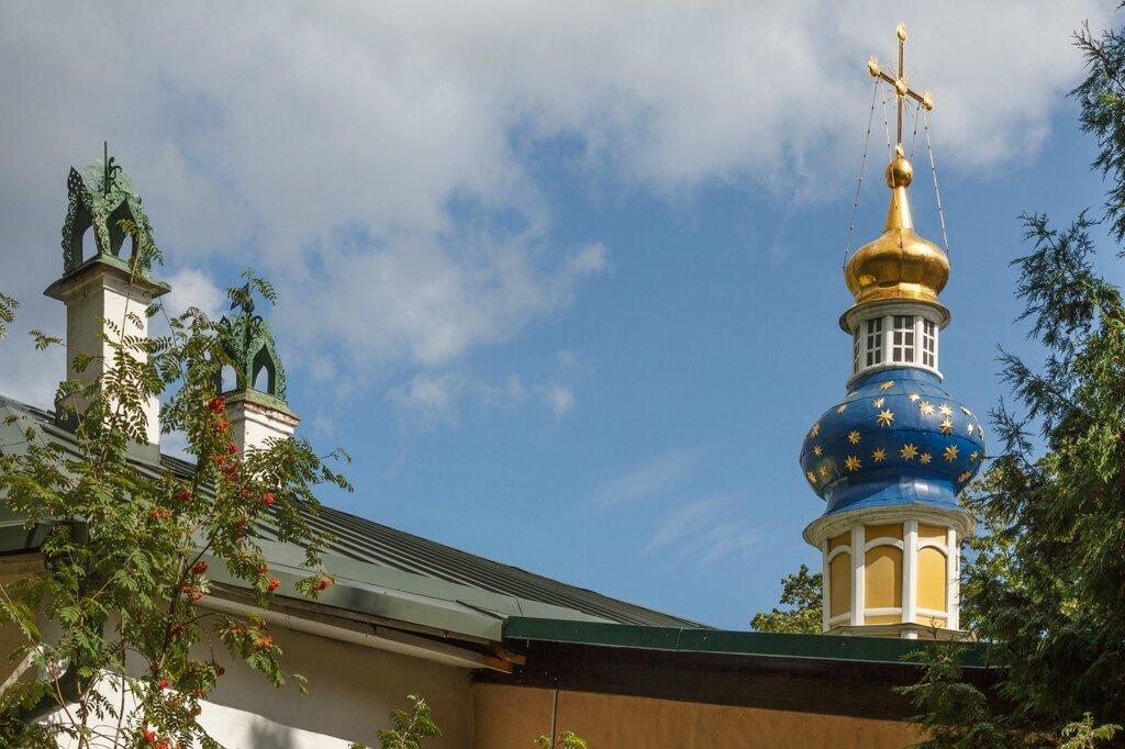 Лазаревский храм, Псково-Печерский монастырь