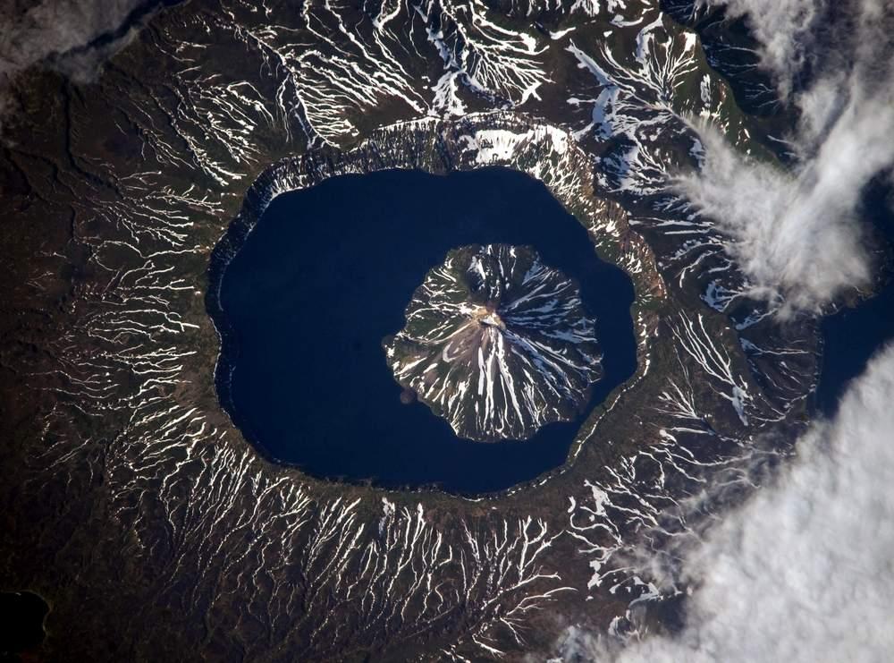 Вулкан Креницына, остров Онекотан
