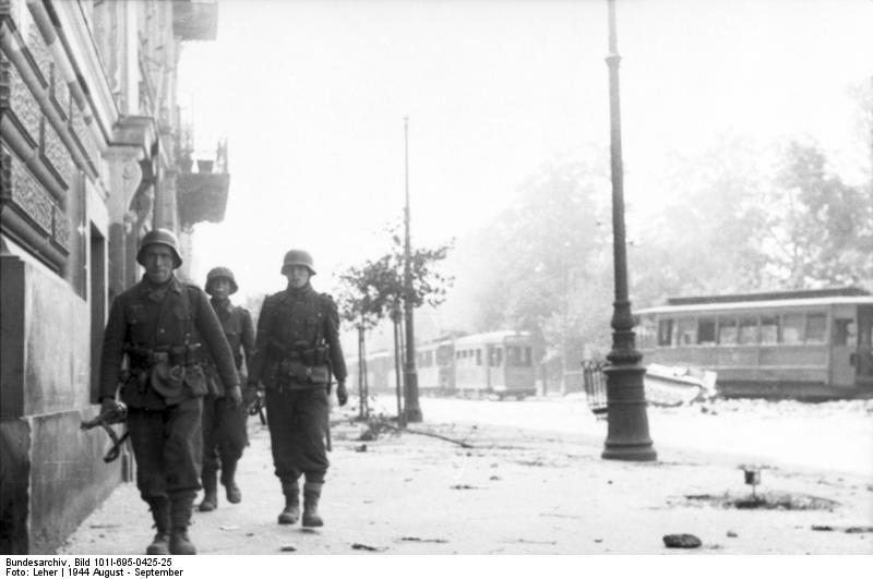Warschauer Aufstand, Soldaten auf StraЯe