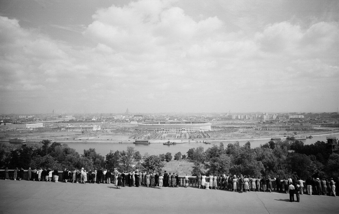 Вид Москвы с Ленинских гор