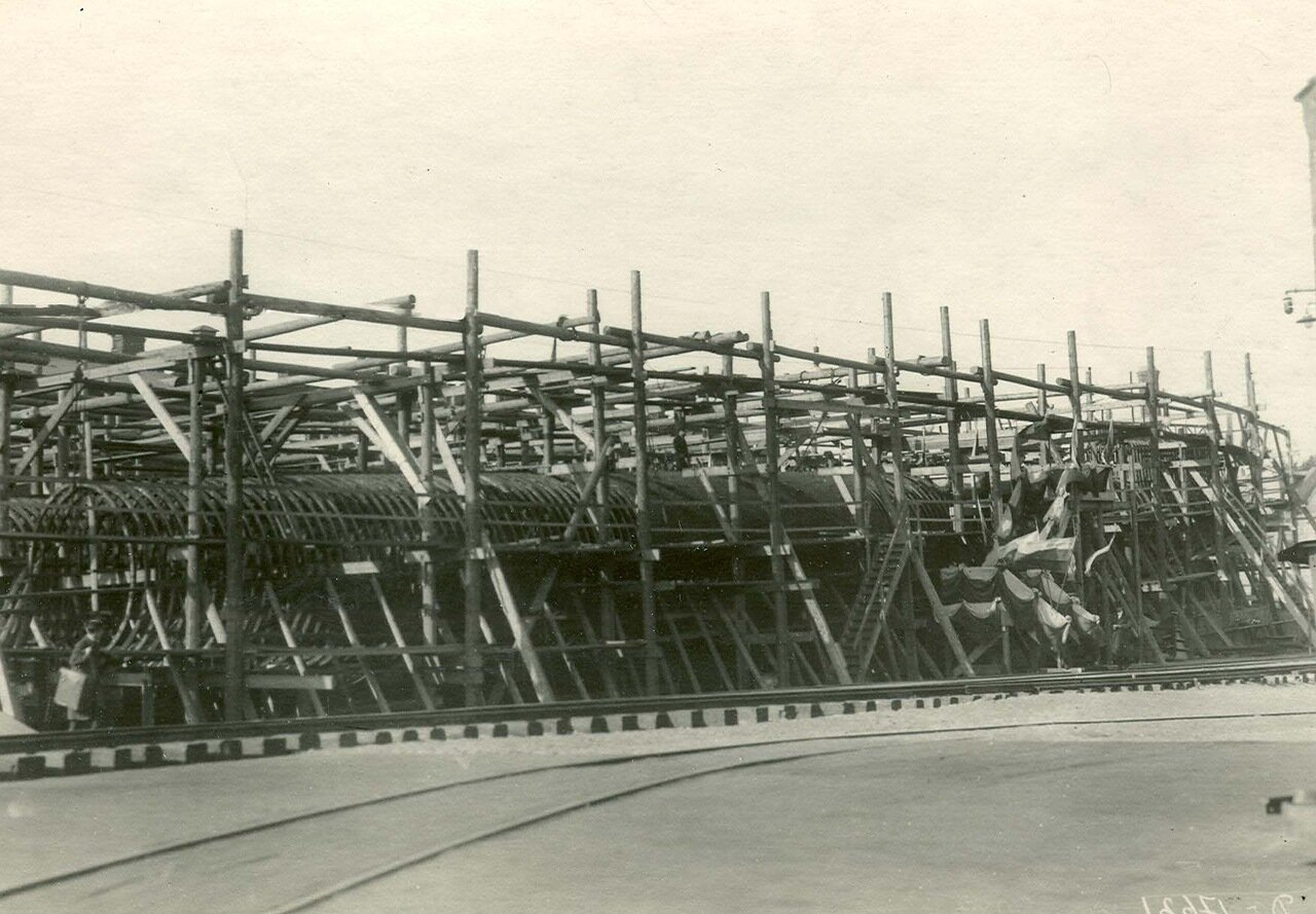 Вид стапелей отдела Подводного плавания