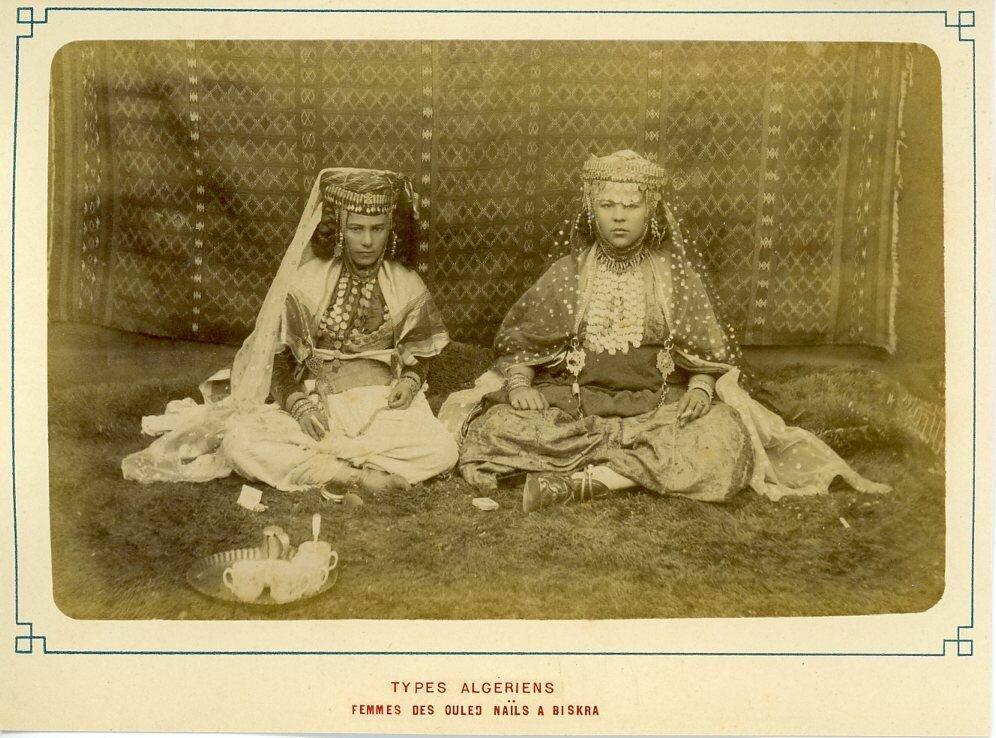 Алжир. Женщины Улед-Наиль в Бискре
