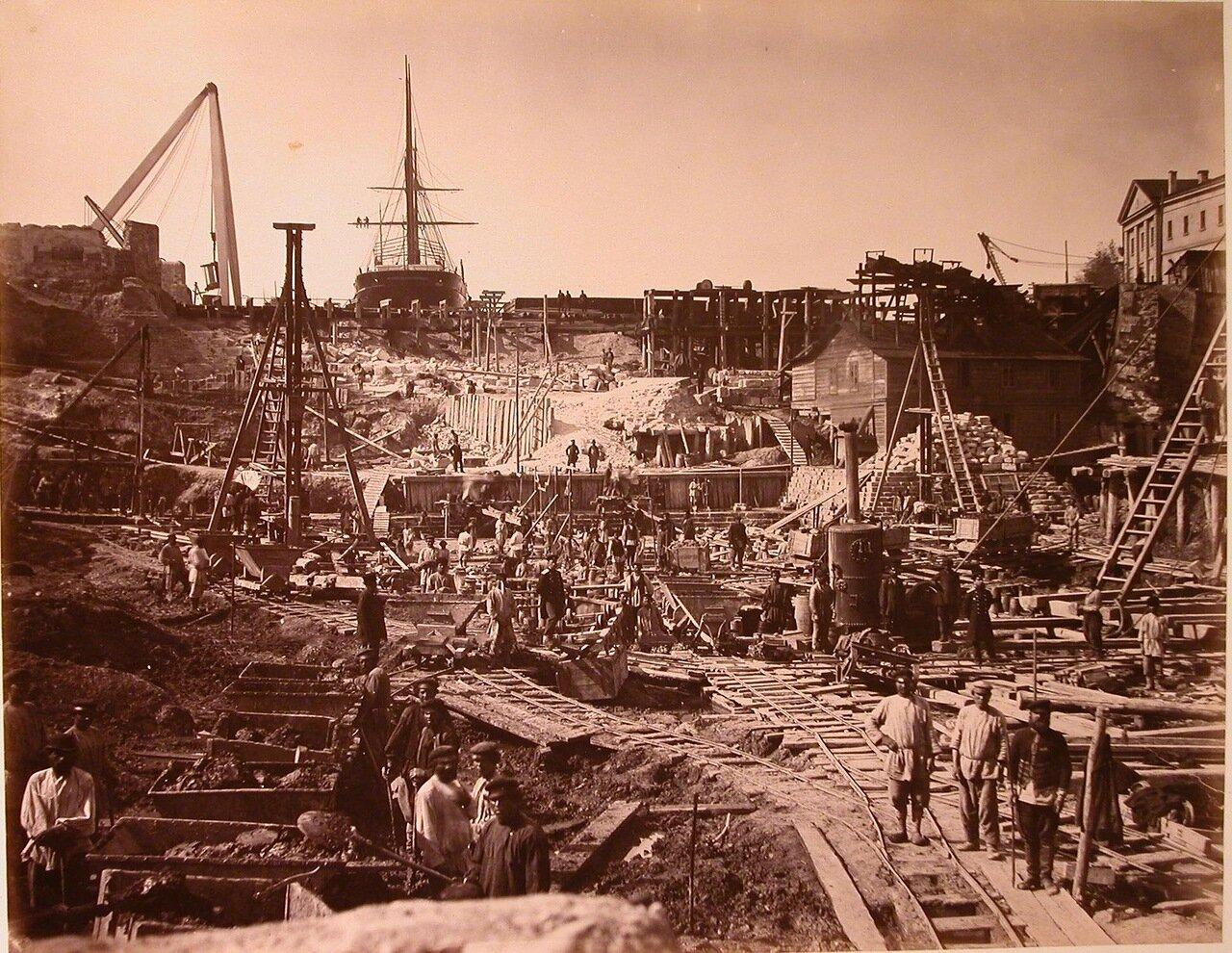 06. Общий вид строительства одного из Алексеевских доков в корабельной бухте