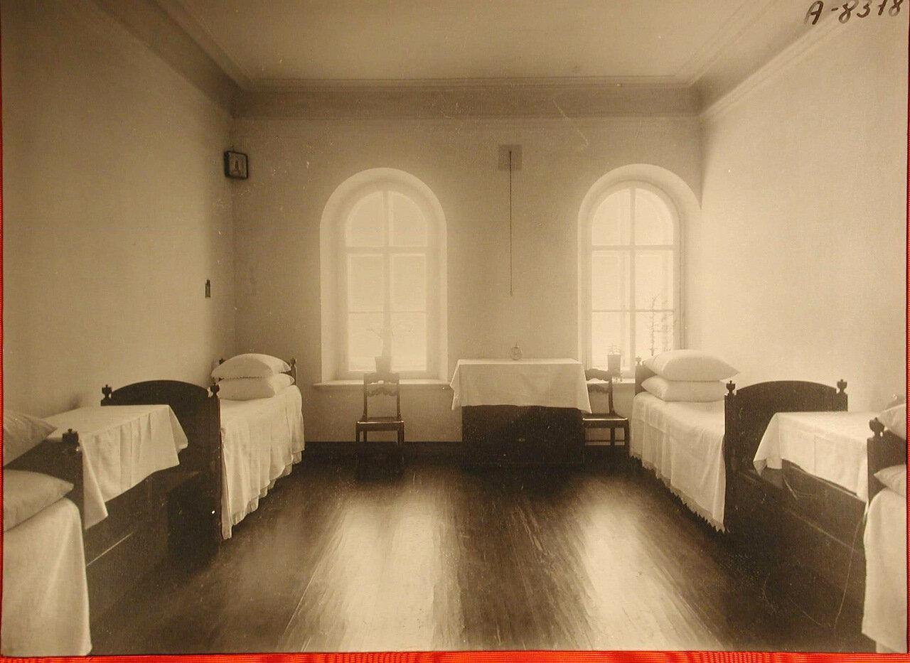 04. Вид части одной из спален общины