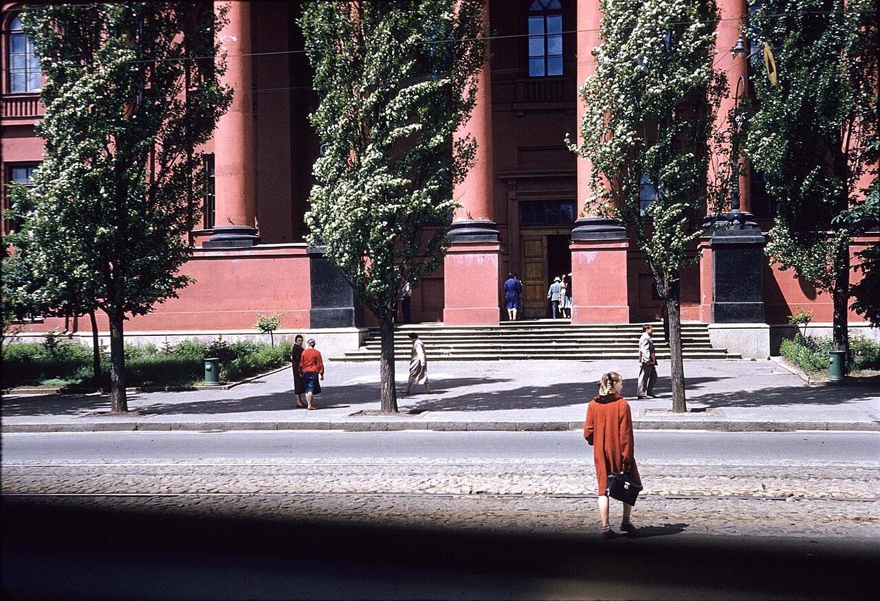 Главный вход в здание Национального Киевского университета имени Тараса Шевченко
