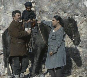 Путешествующий врач с семьей