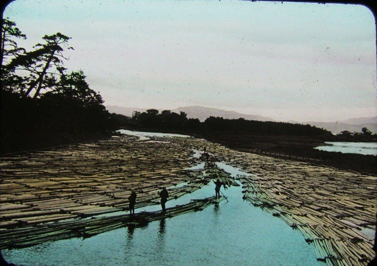 Плоты на реке Хозу близ Киото