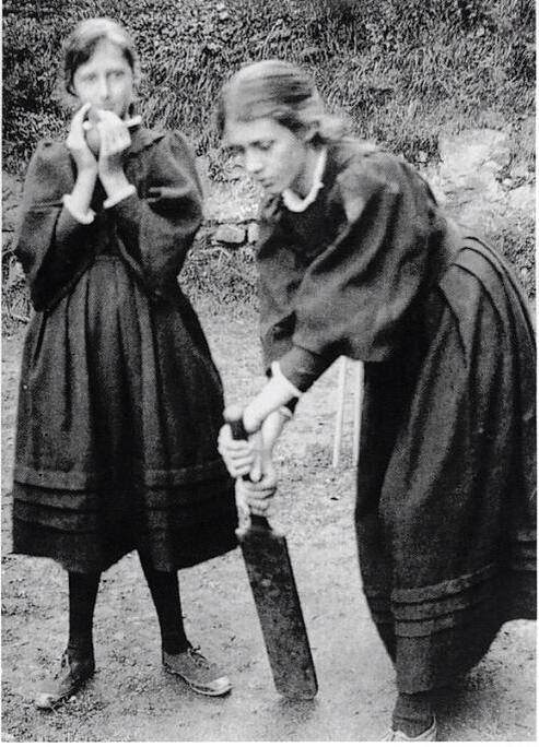 Virginia Woolf and her sister Vanessa playing cricket..jpg