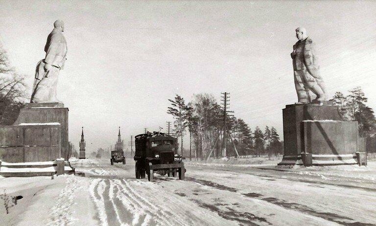 1947 На въезде в Москву.jpg