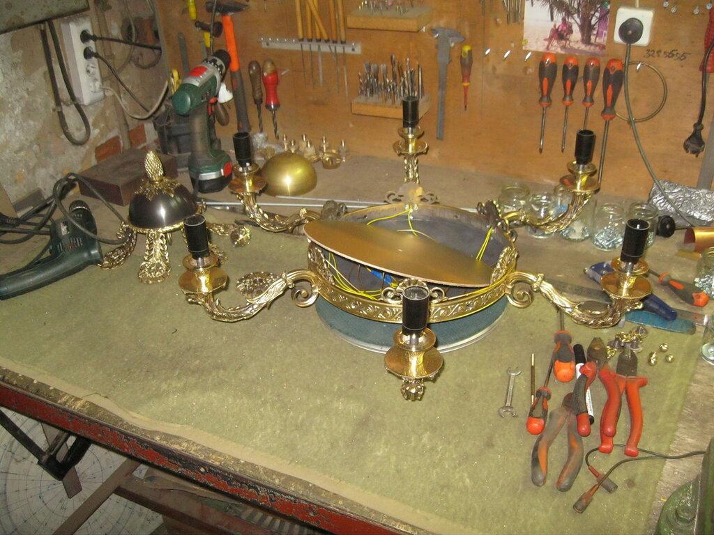 Изготовление люстры на 6 светоточек в стиле ампир в специализированной мастерской.