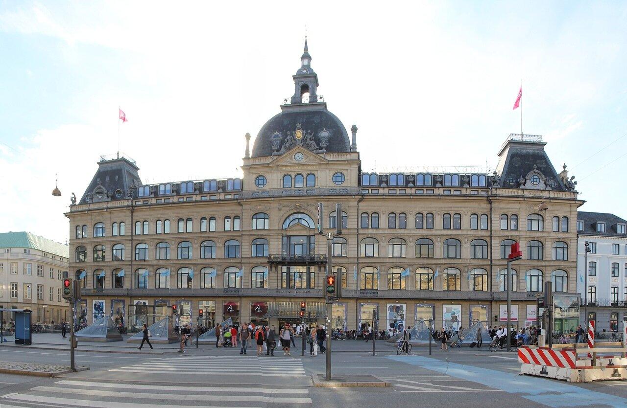 Копенгаген, площадь Конгенс  Ниторв. Copenhagen, Kongens Nytorv, King's New Square,  Магазин дю Нор. Magasin du Nord