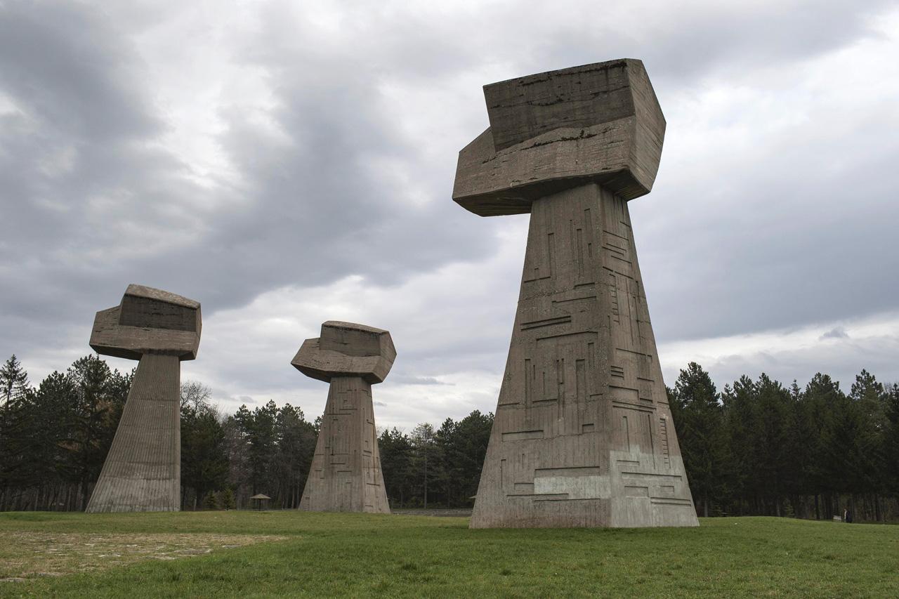 25-pamyatnikov-byvshej-Yugoslavii-25-foto