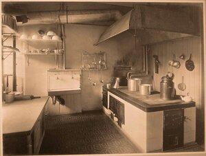 Вид части кухни госпиталя.