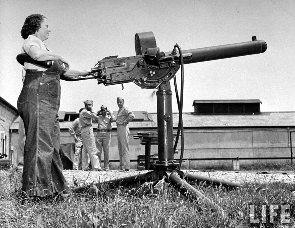 Американская оружейница - 6 (1942 год)