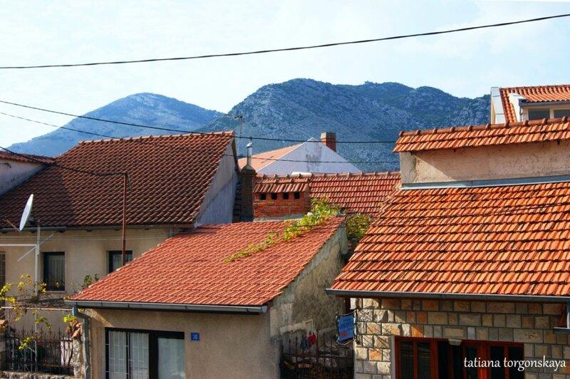 Черепичные крыши Требинье