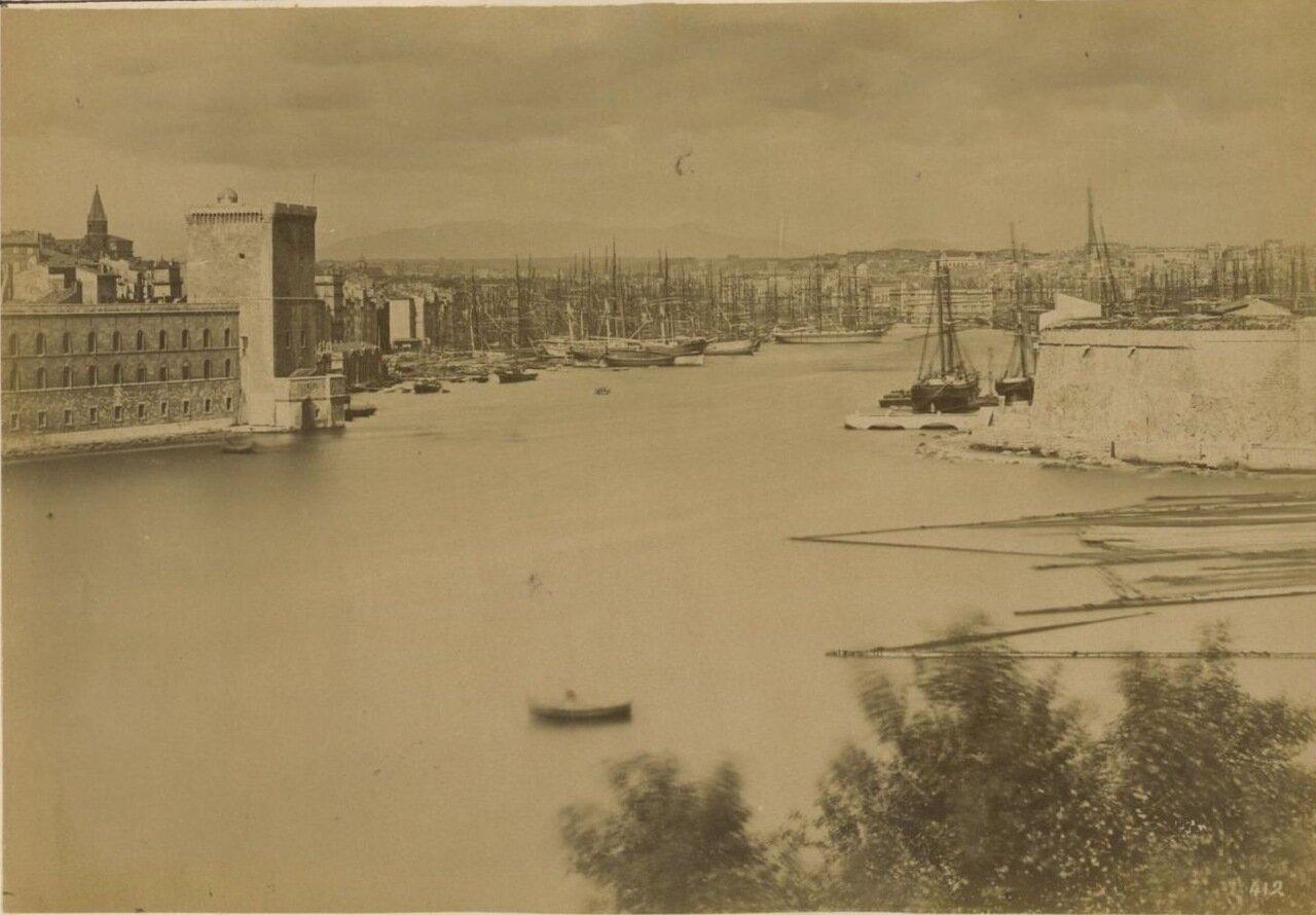 Вход в Старый порт