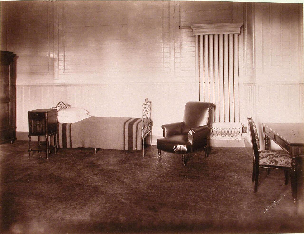 12. Вид части больничной палаты в здании санатория