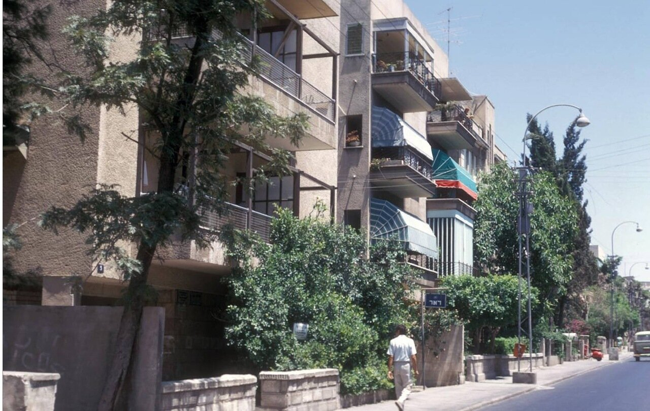 37. Улица Бялика