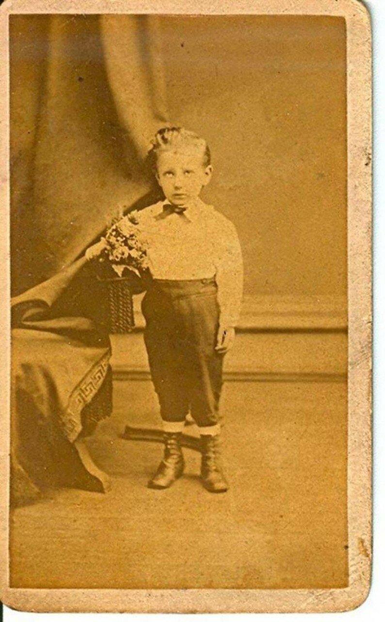 1900-е. Портрет умершего мальчика
