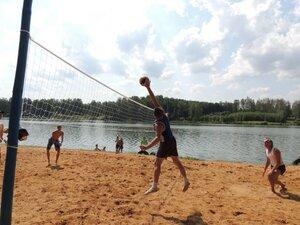Районный турнир по пляжному волейболу. П. Дубровка, 10 августа 2014 года. В игре Иван Иванович.