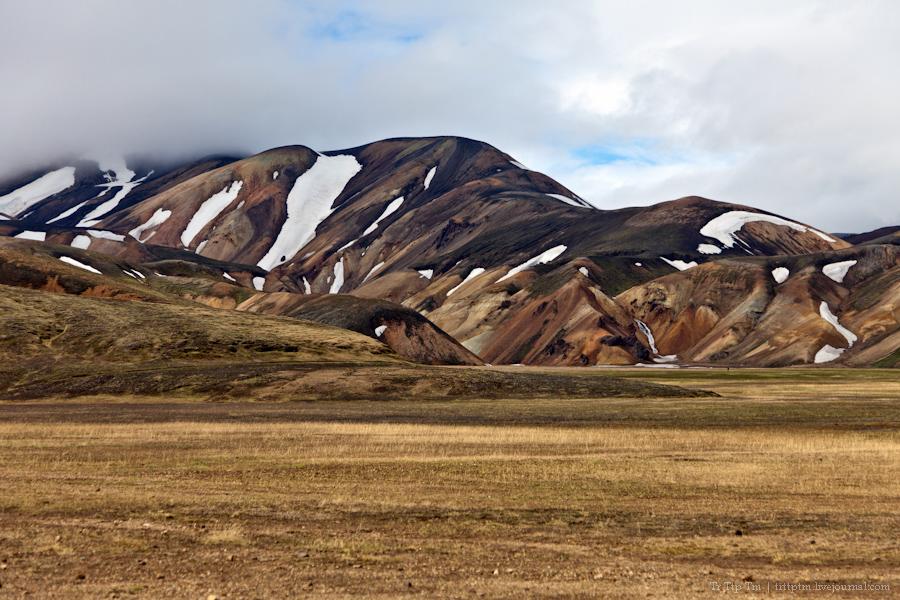 9. Цветные горы Ландманналойгар.