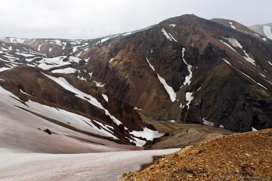 19. Цветные горы Ландманналойгар.