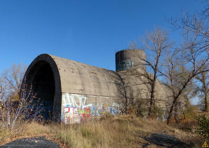 «Сталінське метро» або недобудовані залізничні тонелі під Дніпром (Київ)