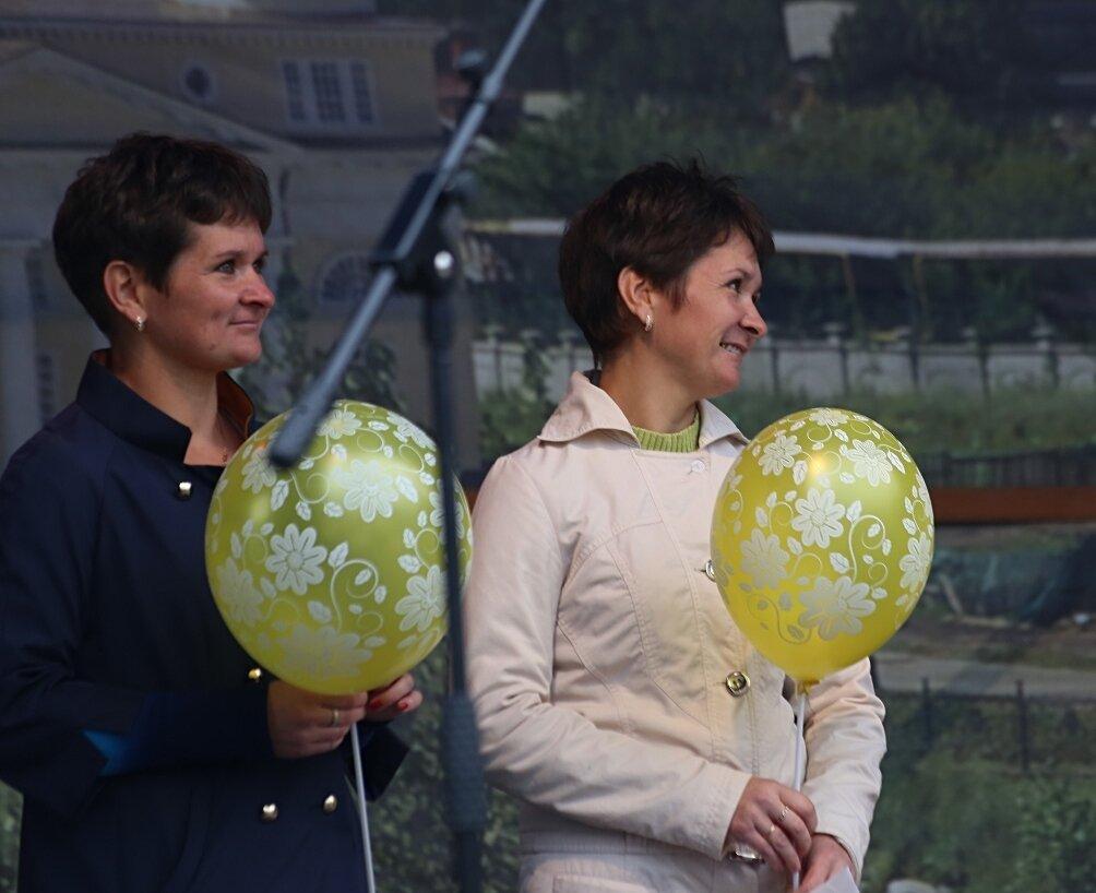 Невьянск. День города-2014. Парад близнецов