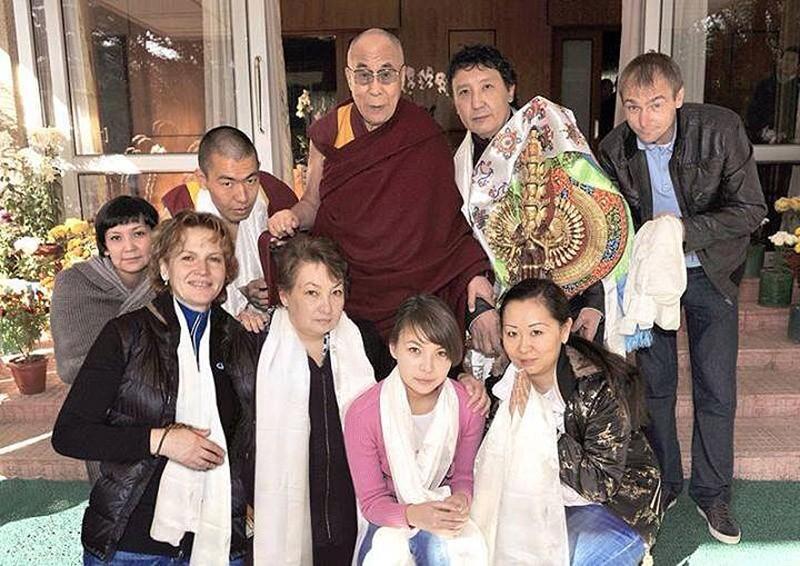 2. Его Святейшество Далай-Лама, величественные храмы, да и сама природа Тибета стали его частью, а т