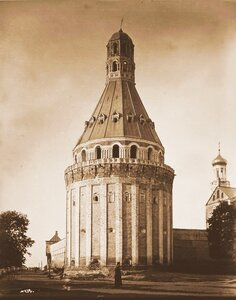 Вид одной из башен -Дуло-Симонова Успенского мужского монастыря,основанного в 1370 г.(каменная ограда постройки 40-х гг.XVII в.). Москва г.