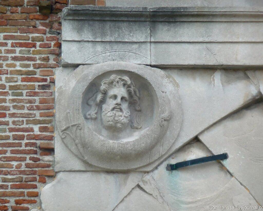 Арка Августа, 27 г. до н.э.