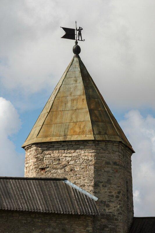 Довмонтова башня, Псковский Кром