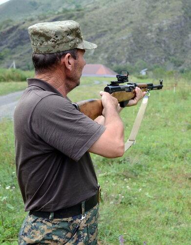 чеченский егерь и скс.jpg