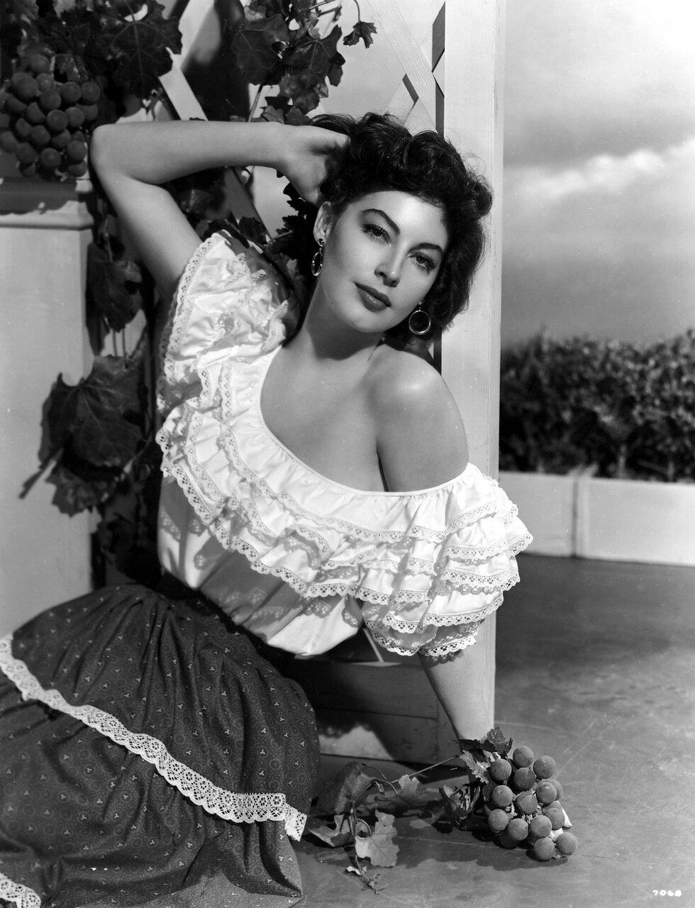 AVA GARDNER [1922 - 1990]American Actress